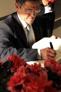 帕多瓦市市长罗西(Rossi)先生为我校题词